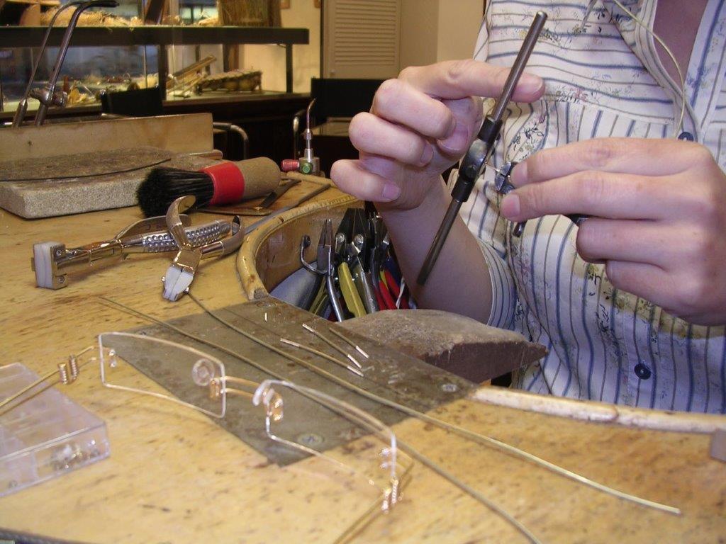 Brillenherstellung Handmade