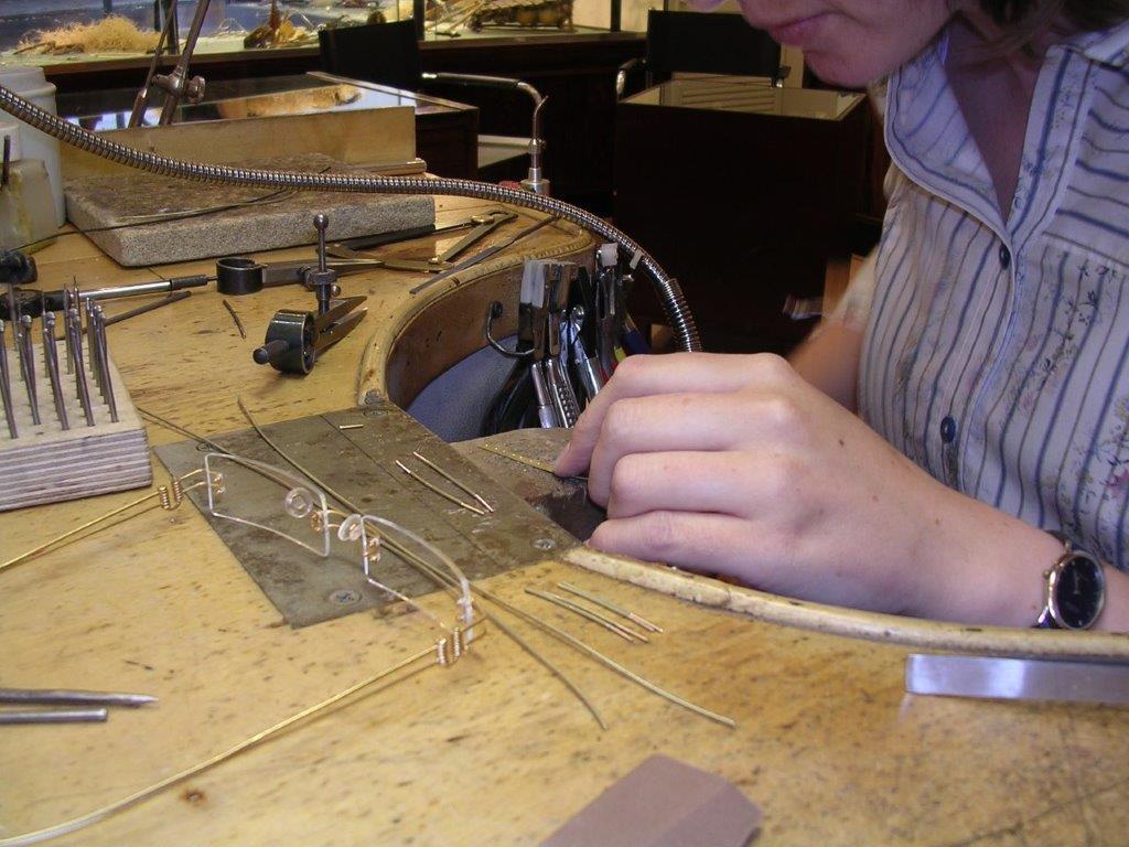 Making of Brillen in Werkstatt